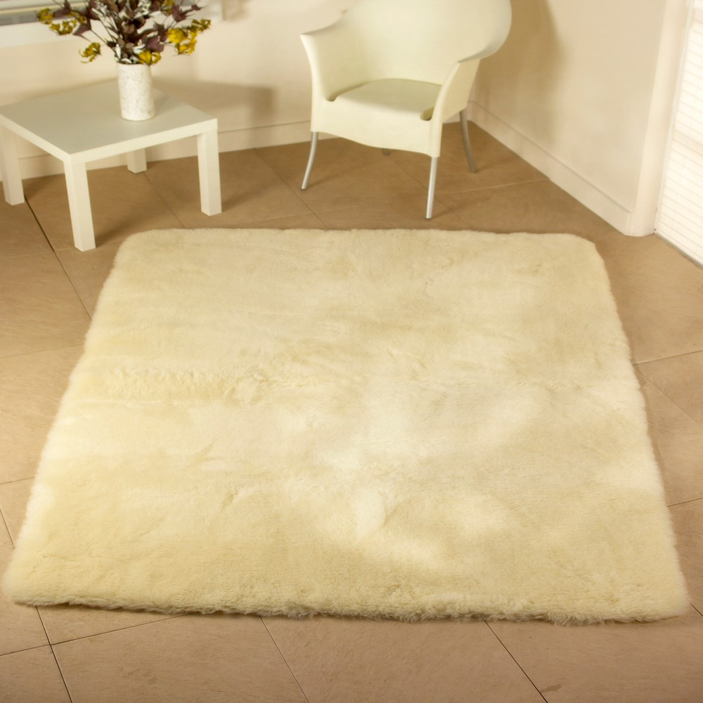 Luxurious Wool Rug's Natural Oblong