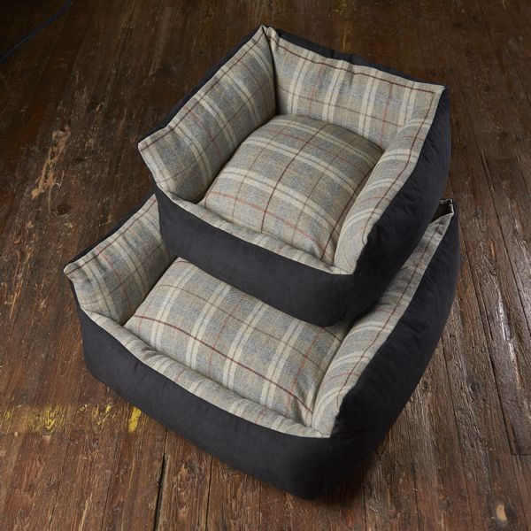 Tweed Wool Cosy Dog Bed - Grey
